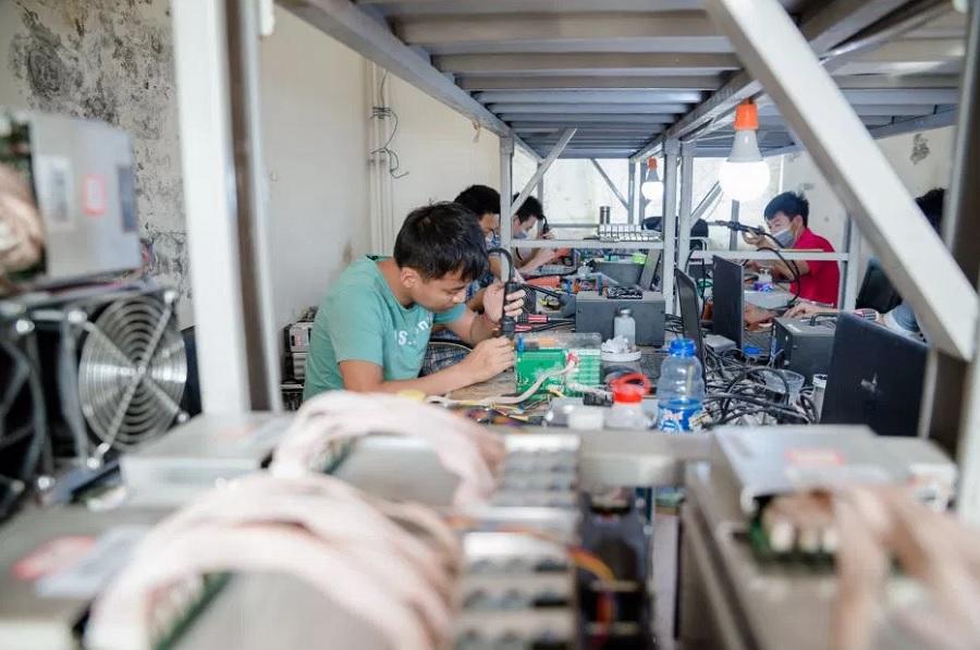 работа сервиса по ремонту майнинг оборудования